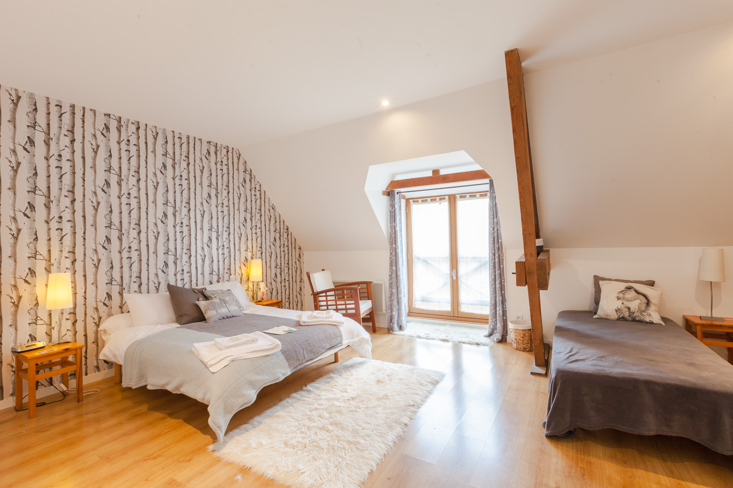 Discover the Oak tree room at the Normandy Inn Bed and Breakfast - Montbray Normandy